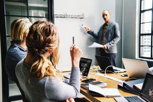 一般的な店長に求められる能力・スキルはなぜ二の次なのか?